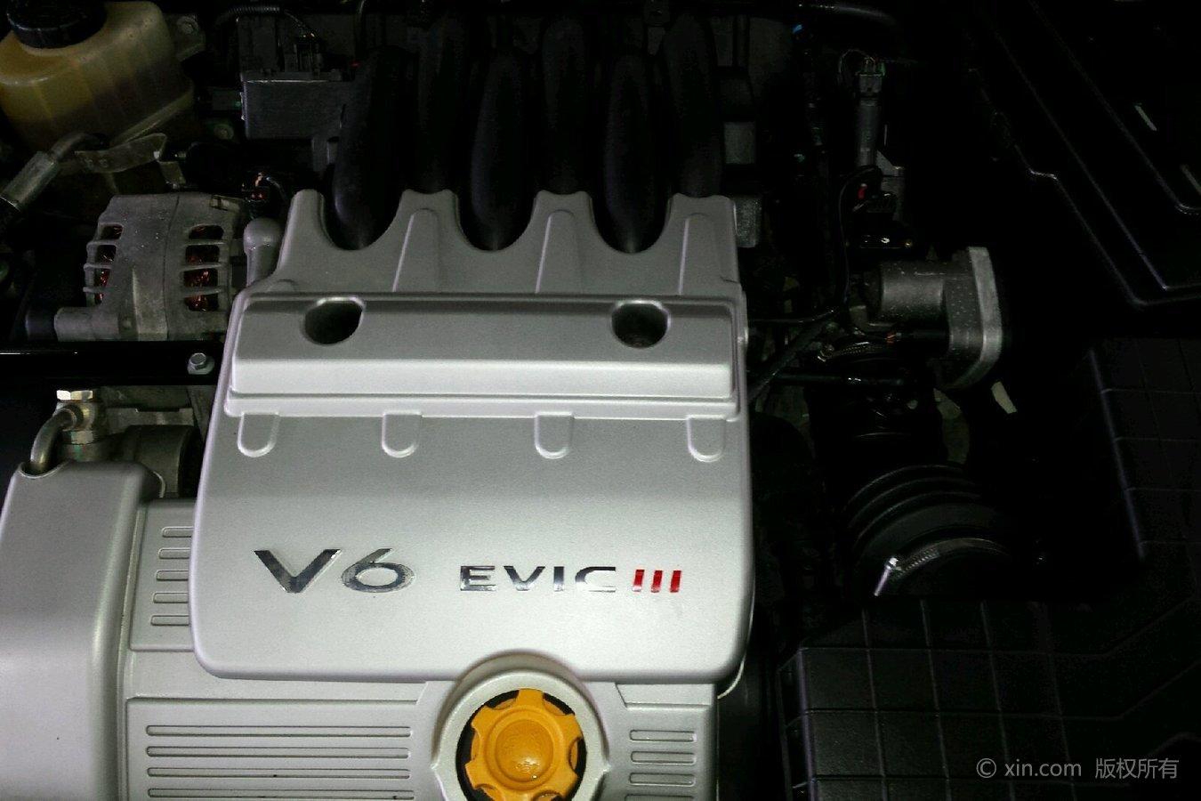 荣威750发动机特写瑞麒m1置换图片