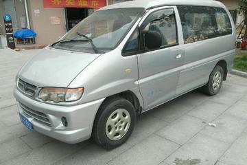 东风风行 菱智 2011款 2.0 手动 M5 Q7短轴舒适型7座C11E