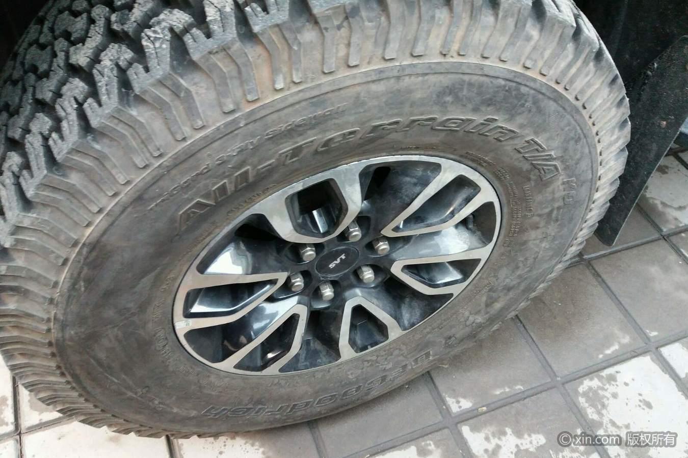 福特猛禽F系左前轮胎