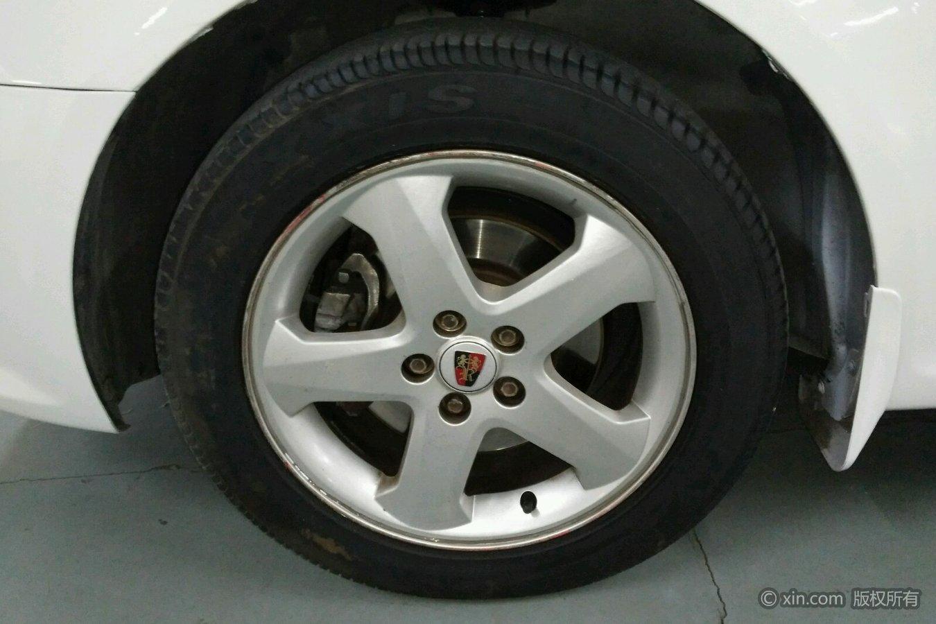 荣威350左前轮胎