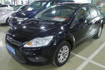福特 福克斯三厢 2013款 1.8 手动 经典基本型