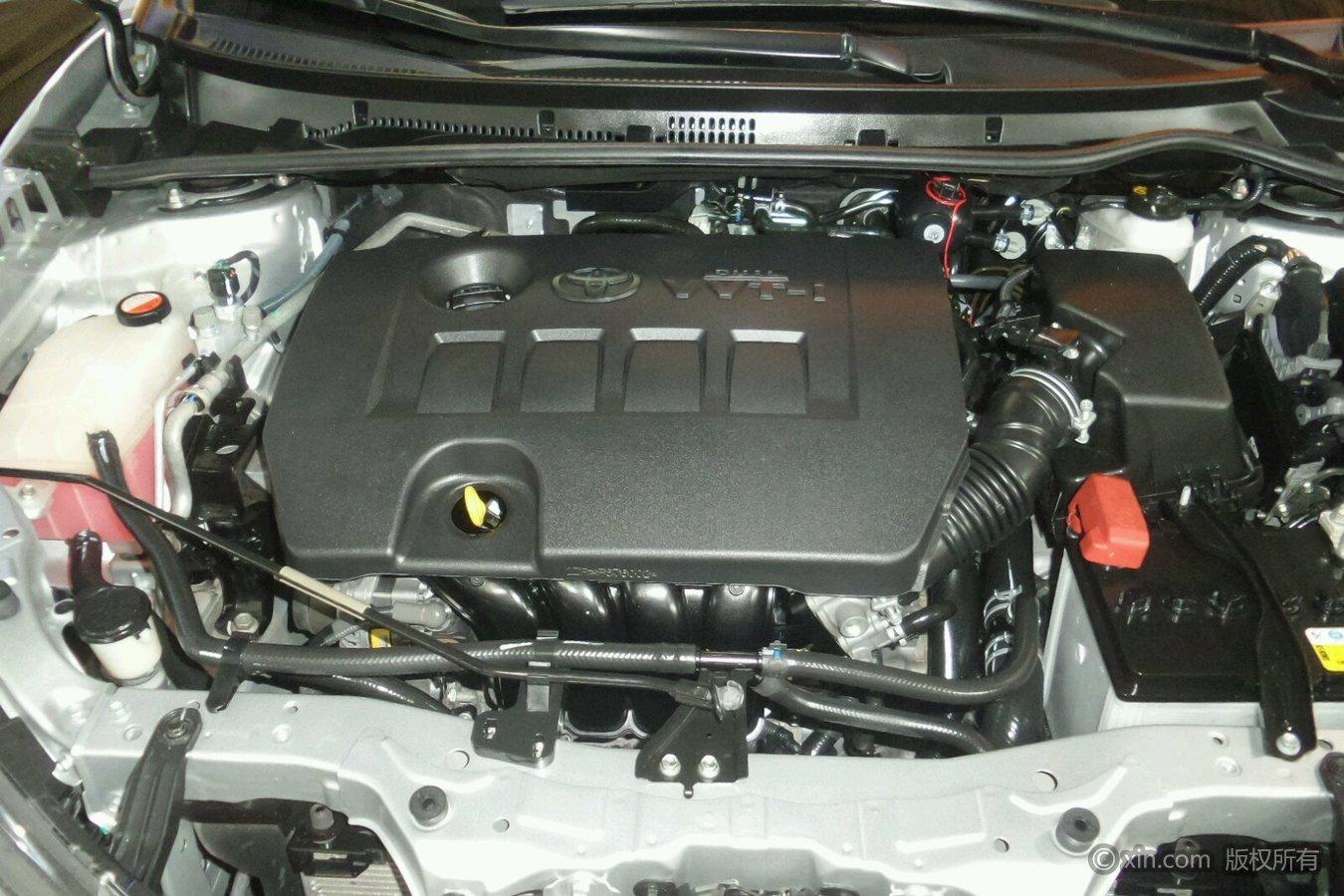 丰田卡罗拉发动机舱