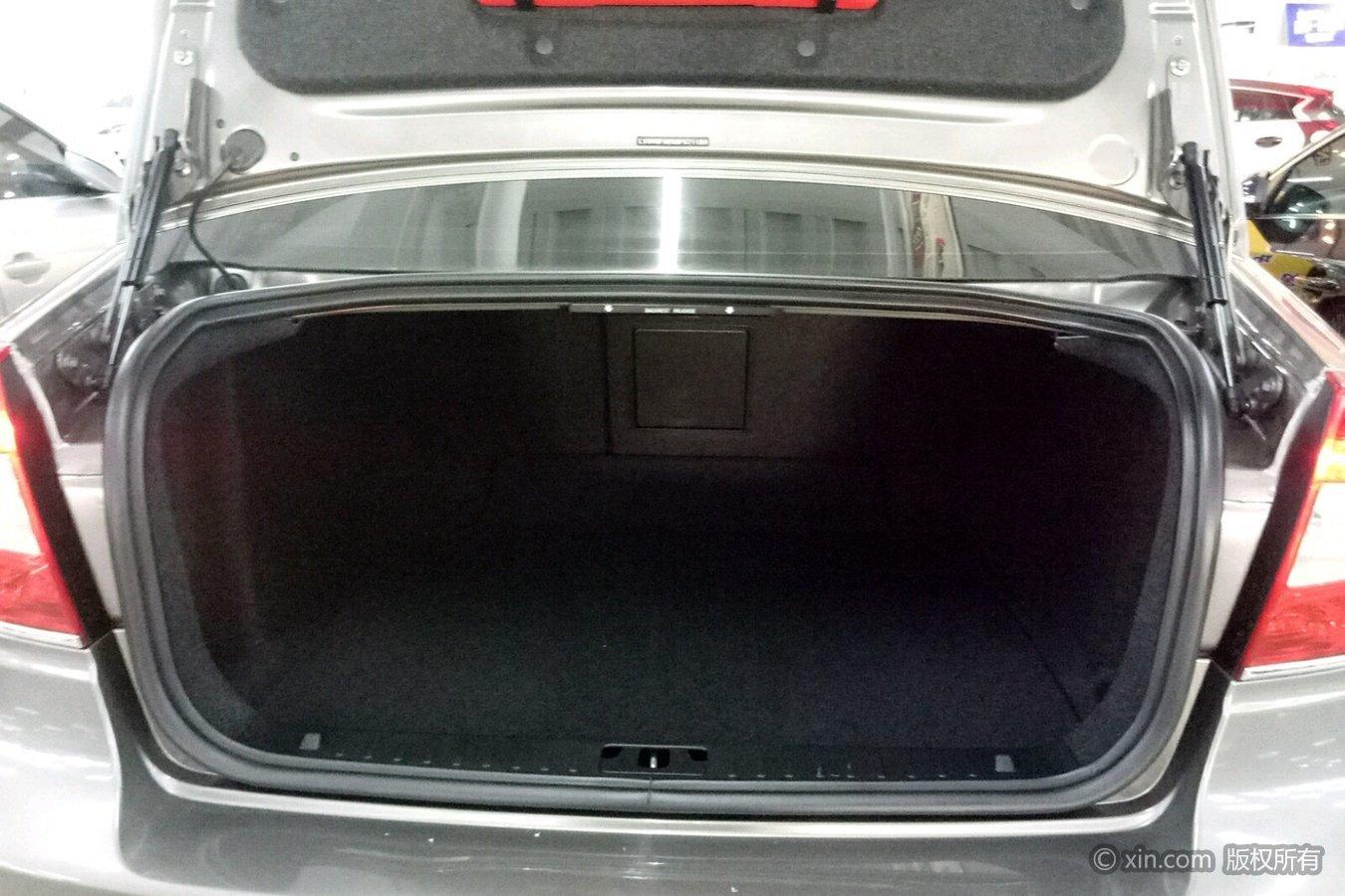 沃尔沃s80l后备箱