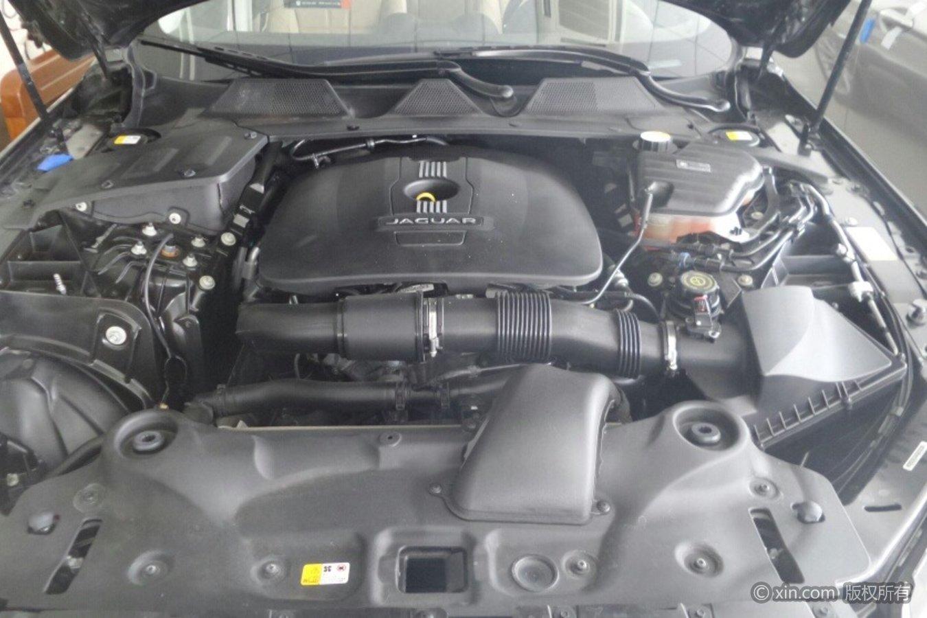 捷豹XJ发动机