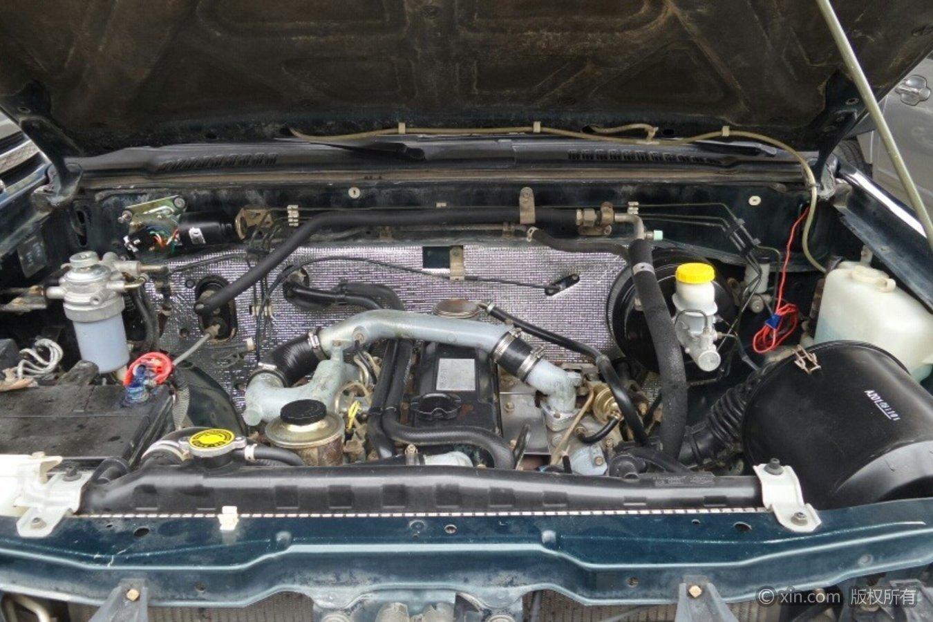 日产D22皮卡发动机