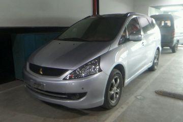 三菱 格蓝迪 2009款 2.4 自动 豪华型7座